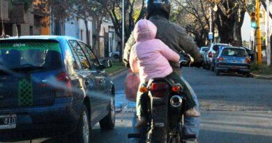 LLevar niños en moto, una decisión delicada